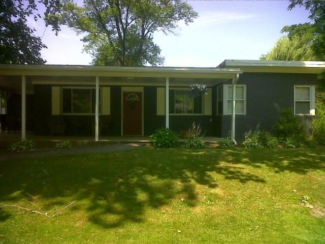 691  Cottage Grv